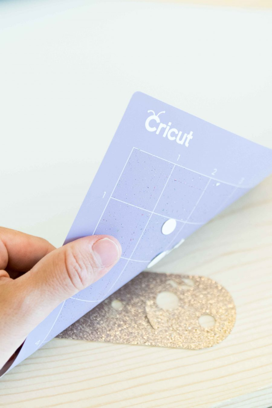Remove Glitter Cardstock from Cricut Mate