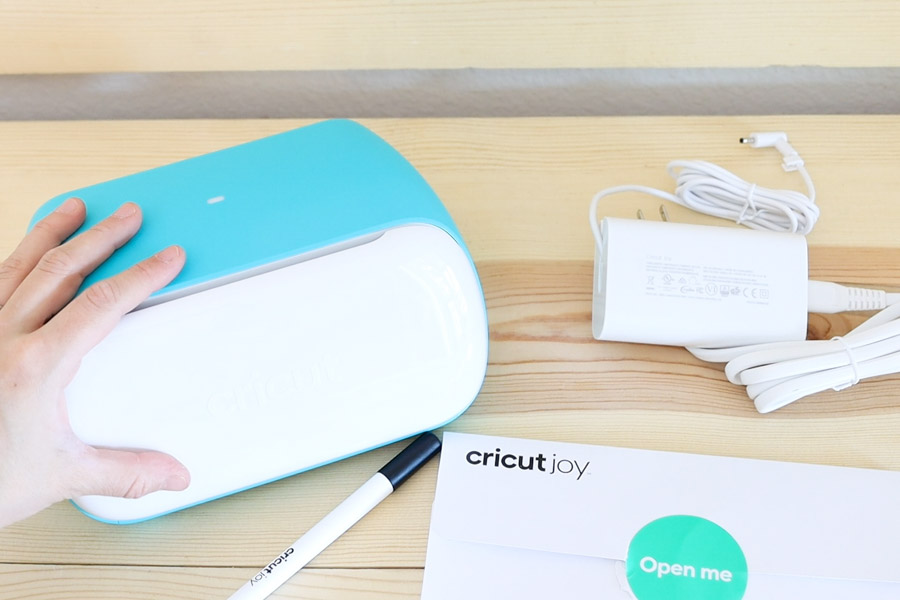 What is in Cricut Joy's box