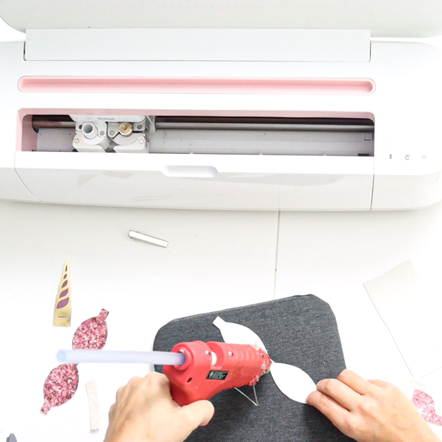 using hot glue on hair bow